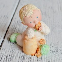 Миниатюра 12/92 HUSH-A-BYE-BABIES H/P BABY BOY   IN COOKIE JAR st-0006/4